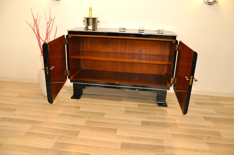 unique art deco whiskey cocktail cabinet ebay. Black Bedroom Furniture Sets. Home Design Ideas