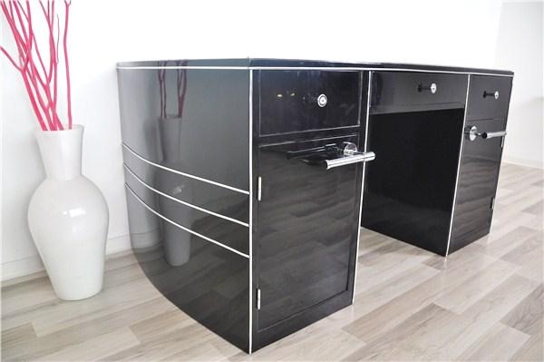 art deco schreibtisch mit leicht ovalem korpus und chromline original antike m bel. Black Bedroom Furniture Sets. Home Design Ideas