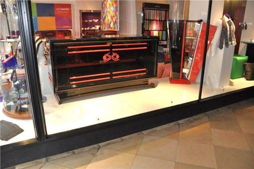 Art Deco Sideboard, tolle rote Verzierungen