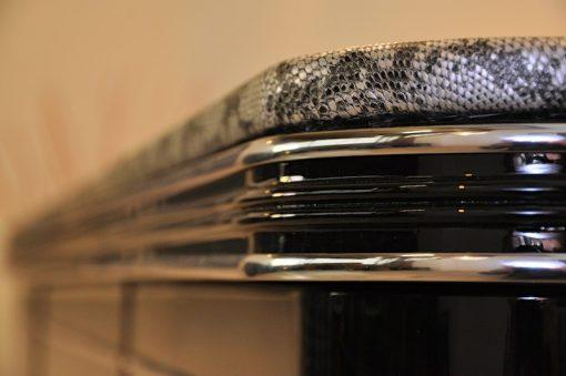 Art Deco Sideboard, Schlangenleder