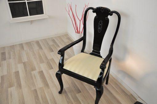 Art Deco Stühle, hochglanzschwarz, Stoff