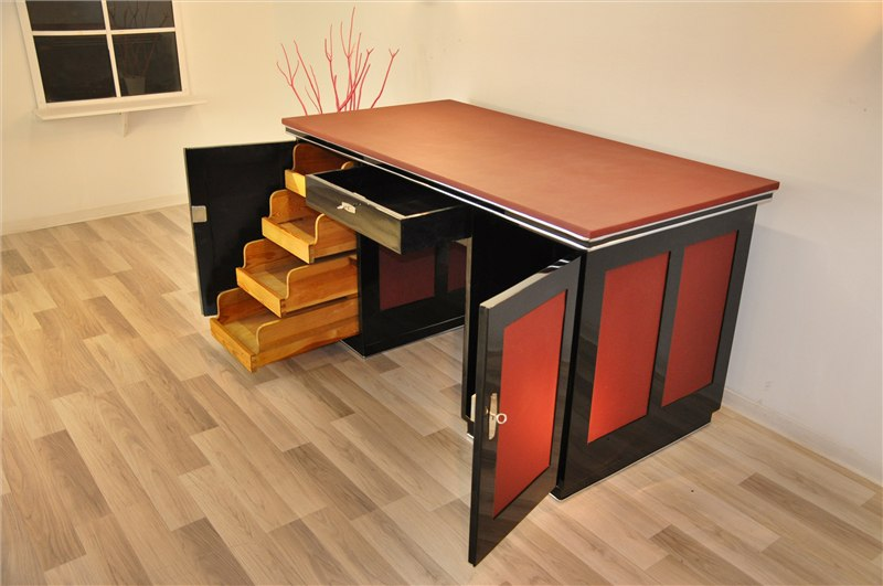 sch ner art deco schreibtisch aus villa in lyon. Black Bedroom Furniture Sets. Home Design Ideas