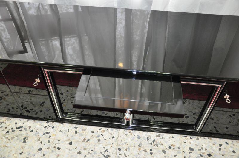 schwarzes art deco lowboard klavierlack mit glas einlegeb den. Black Bedroom Furniture Sets. Home Design Ideas