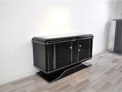 Hochglanz Klavierlack,Klassisches Design mit abgerundeten Ecken,Beleuchtete Glasplatte,Wundervoll geschwungener Fuß