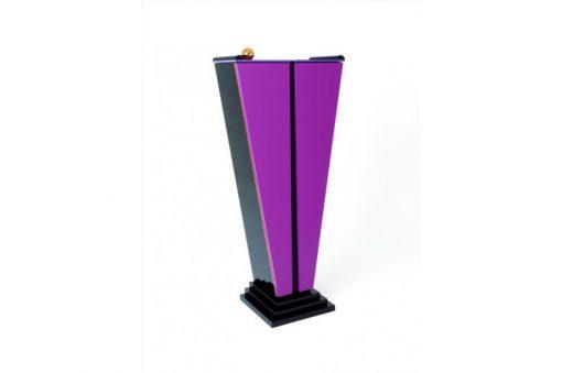 Art Deco Schrank, Tulpenform, gefärbte Einlegeböden, hochglanzschwarzer Lack, Treppenfuß, Lila, Margarethe Schreinemakers