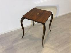Art Deco, Beistelltisch, geschwungene und filigrane Beine, feine Details, Originalmoebel, Frankreich, einzigartiges Design, Tisch, Wohnzimmer,