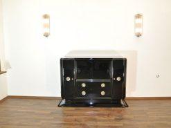 Art Deco Klavierlack Sideboard mit einer tollen Form, große Chromgriffe, 10 Schichten Klavierlack, toller Fuß, Frankreich 1938