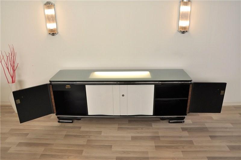 Beleuchtetes Art Deco Lowboard in Hochglanzschwarz und Hochglanzweiß ...