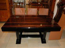 Hochglanzschwarzer Art Deco Tisch mit einer Palisanderholzplatte, schönes Palisanderholz, Frankreich 1930, hochwertiger Klavierlack