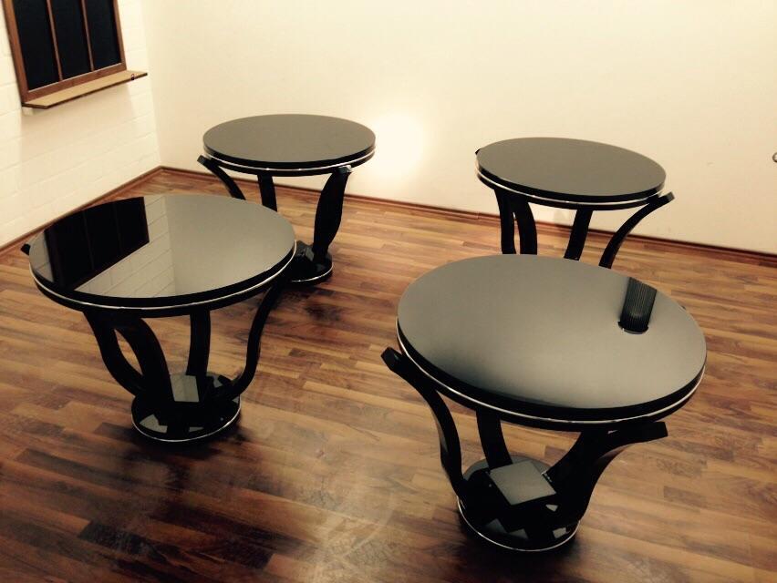 sch nes art deco klavierlack beistelltisch p rchen. Black Bedroom Furniture Sets. Home Design Ideas
