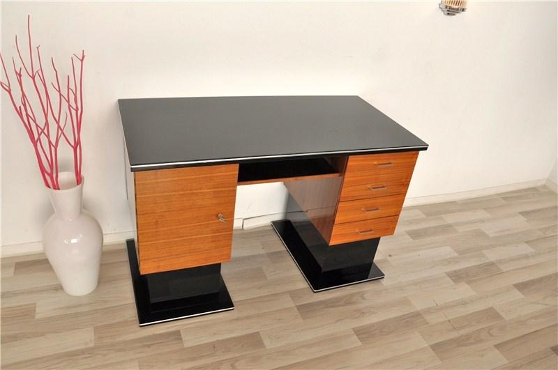 kleiner zweifarbiger bauhaus schreibtisch ebay. Black Bedroom Furniture Sets. Home Design Ideas