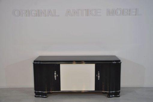 Art Deco Lowboard, Innenleben aus Mahagoni, tolles Design und einzigartige Farbkombination, große Chromgriffe, französische Füße