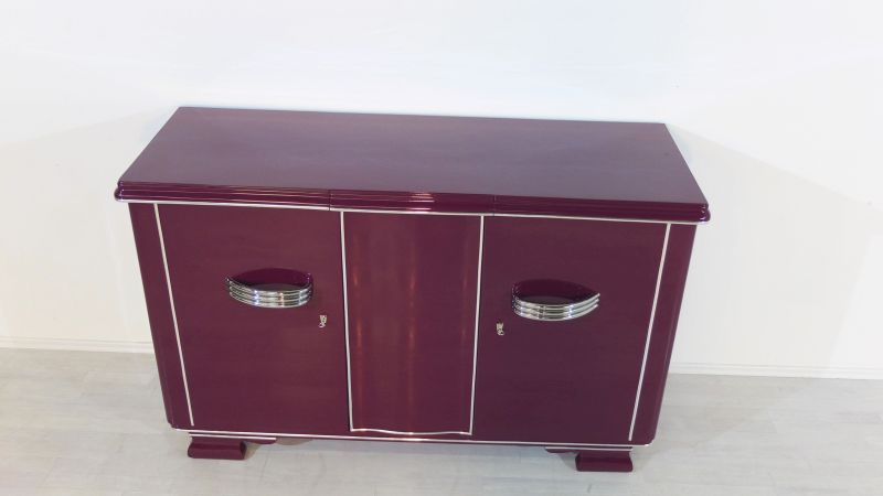 extravagantes art deco sideboard in einem au ergew hnlichen violett original antike m bel. Black Bedroom Furniture Sets. Home Design Ideas