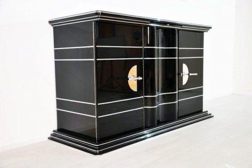XXL Art Deco Chromliner aus Paris mit einem tollen Innenleben. Viel Stauraum und ein echter Hingucker in jedem Raum. 12 Schichten Klavierlack einizigartige Innenraumlackierung in Sonnengelb feine Chromlinien Extragroß: 117cm Hoch