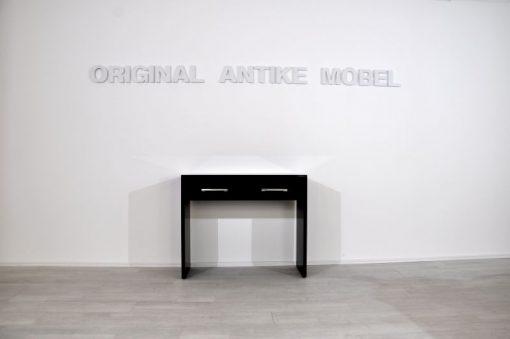 Bauhaus Moebel, Konsole mit Schubladen, schwarzer Klavierlack, breite Chromgriffe