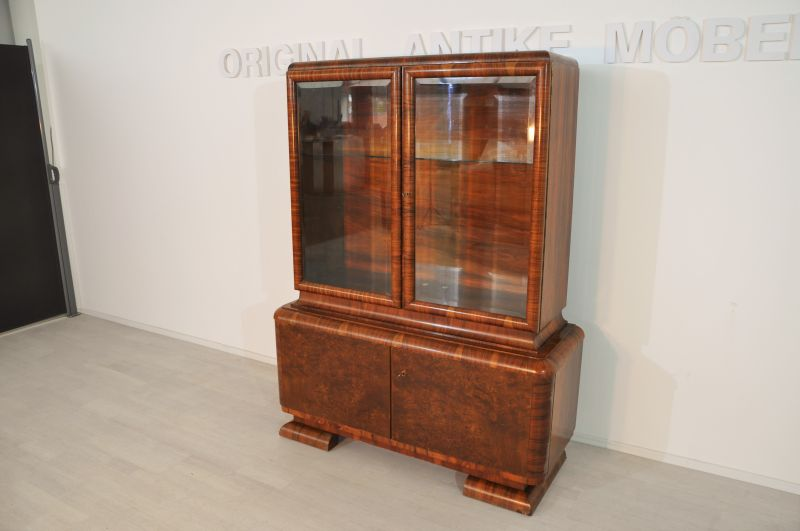 art deco nussbaum vitrine aus frankreich original antike m bel. Black Bedroom Furniture Sets. Home Design Ideas