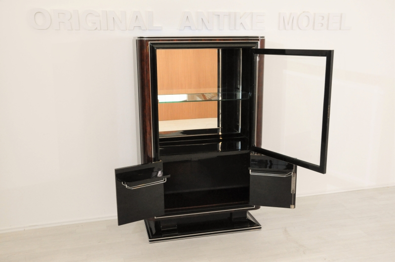 1930er art deco vitrine mit nussbaum details original antike m bel. Black Bedroom Furniture Sets. Home Design Ideas