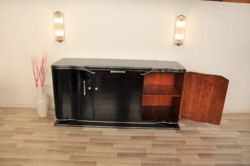 Art Deco, Sideboard, Design, Aera, Hochglanzschwarz, Chromlinien, wundervolle Fprm, Wohnzimmer, handpoliert, einzigartig, restauriert