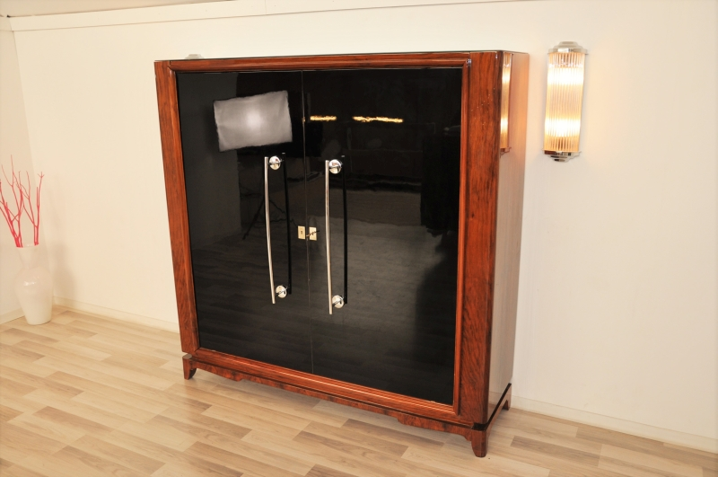 gro er art deco schrank aus wurzelholz ebay. Black Bedroom Furniture Sets. Home Design Ideas