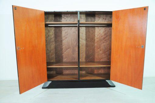 Art Deco, Schrank, Antik, Kubik, elegant, design, chrom, klavierlack, hochglanz, poliert, geschwungener fuß, wohnzimmer, schlafzimmer