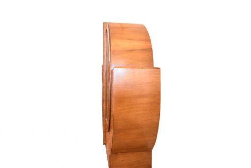 Art Deco, runde Vitrine, Schrank, Walnussholz, Moebel, Design, Innendesign, Glasboeden, Maserung, Wohnzimmer, Aufbewahrung