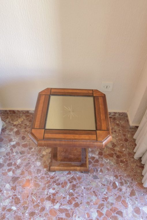 Art Deco, Beistelltisch, Tisch, Spiegel, Tischplatte, Design, Innendesign, Walnussholz, Wurzelholz, Wohnzimmer, luxuriös,