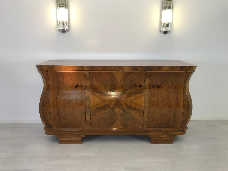 art deco walnuss sideboard in tulpenform original antike. Black Bedroom Furniture Sets. Home Design Ideas