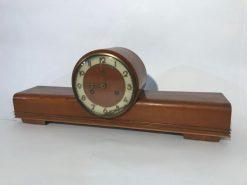 Uhr, standuhr, braun, antik, luxus, wohnzimmer, hellbraun, unrestauriert, design, elegant, holz, messing, einlagen, toller Fuß