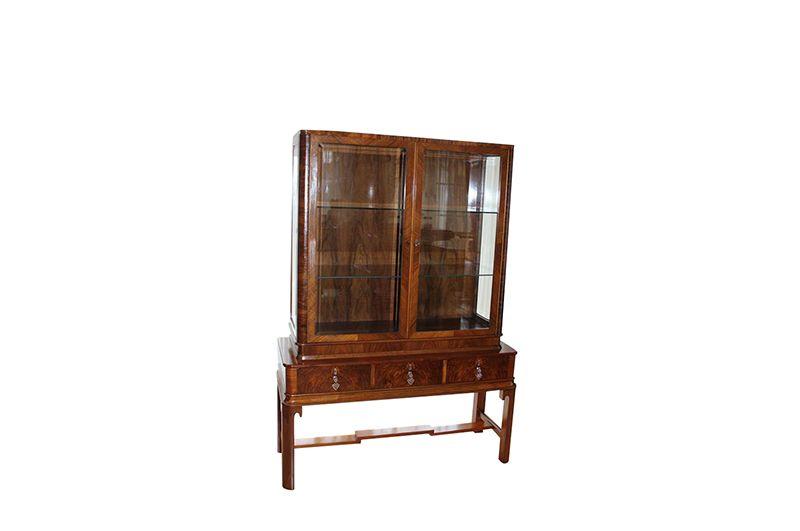 braune art deco vitrine original antike m bel. Black Bedroom Furniture Sets. Home Design Ideas