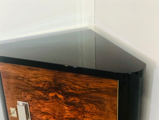 Art Deco Walnuss Eckschrank oder Kommode, Walnussholz, Chromgriff, Klavierlack, Designmoebel, Innendesign, Antiquitaet, 1920er, Frankreich