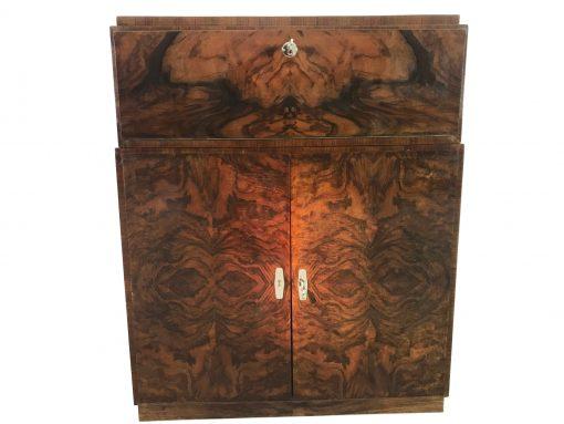 1940er Art Deco Kommode oder kleiner Schrank aus Nussbaumholz, Schränkchen, Aufbewahrung, Antiquitäten, Vintage, Möbel, Original