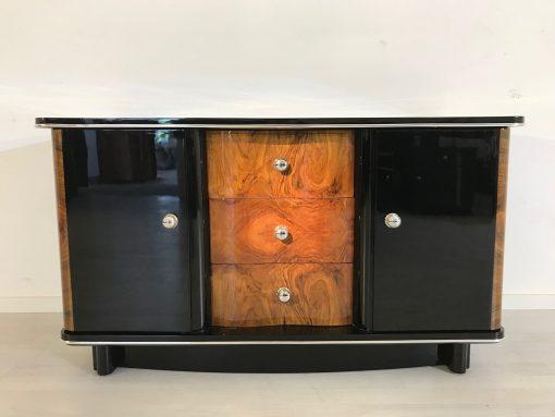 Französische Wurzelholz Kommode von ca. 1925, original antik, drei Schubladen mittig, zwei Flügeltüren, schwarz, Chromleisten,1