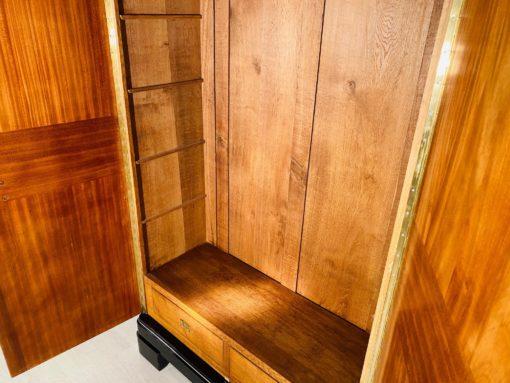 Art Deco Kleiderschrank mit Klavierlack-Finish, Antiquitaeten, Luxus Schraenke, Design Moebel, klavierlack Moebel, Art Deco Moebel, 1920er Jahre Design