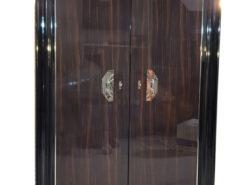 Art Deco Stil Makassar Schrank Luxusmöbel, Makassar Möbel, Wohnzimmerschrank, Anpassbares Design, elegante Chromgriffe, Innendesign